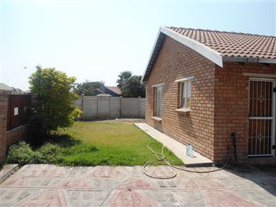 Geelhoutpark And Ext property for sale. Ref No: 13390103. Picture no 27