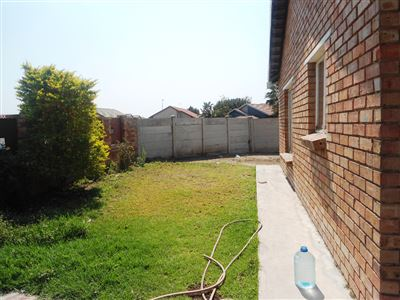 Geelhoutpark And Ext property for sale. Ref No: 13390103. Picture no 26