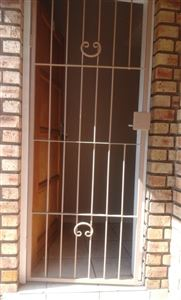 Middedorp property to rent. Ref No: 13395746. Picture no 2