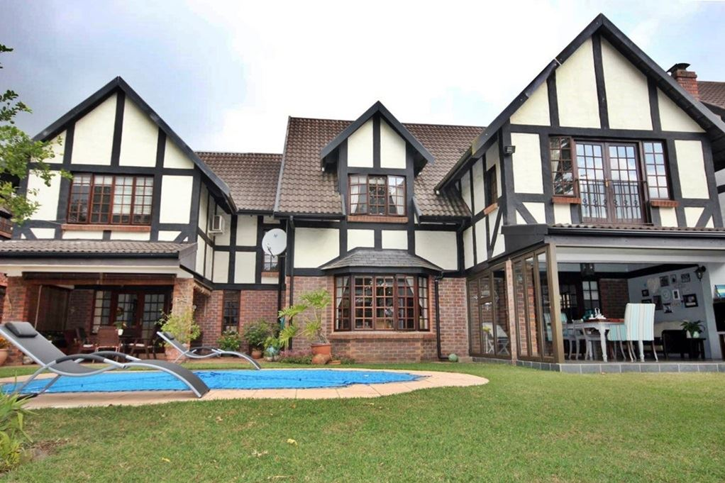 6 Bedroom Town House for Sale in Hillcrest KZN