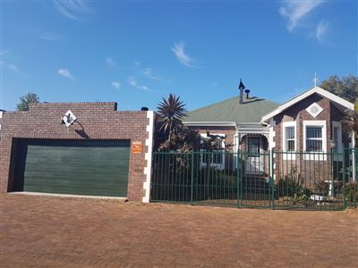 Durbanville, Aurora Property  | Houses For Sale Aurora, Aurora, Townhouse 3 bedrooms property for sale Price:2,995,000