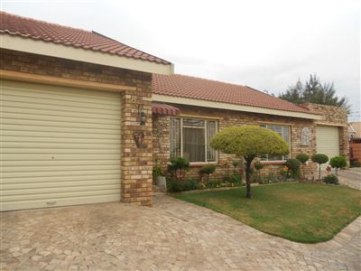 Parys property for sale. Ref No: 13393233. Picture no 1