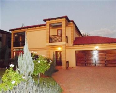 Tuscany Ridge property for sale. Ref No: 13393650. Picture no 1