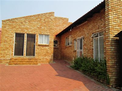 Geelhoutpark And Ext property for sale. Ref No: 13393966. Picture no 1