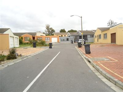 Brackenfell, Northpine Property  | Houses For Sale Northpine, Northpine, House 3 bedrooms property for sale Price:995,000