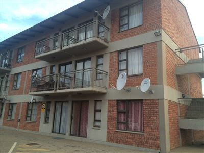 Bloemfontein, Ehrlich Park Property  | Houses For Sale Ehrlich Park, Ehrlich Park, Flats 2 bedrooms property for sale Price:465,000