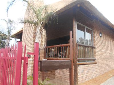 Potchefstroom Central property for sale. Ref No: 13394288. Picture no 1