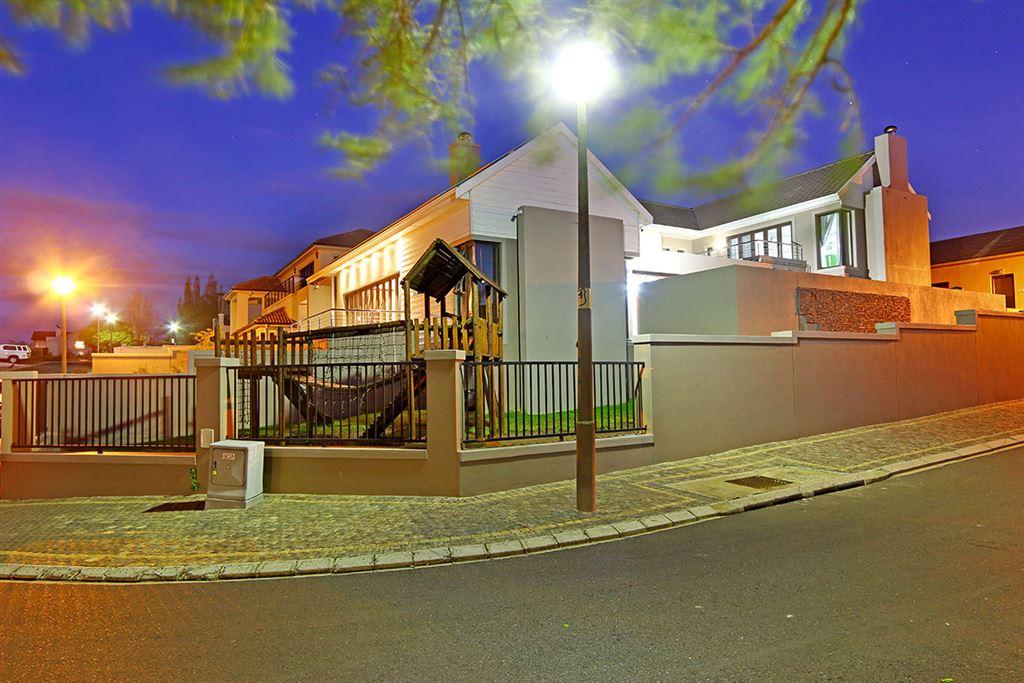 Graanendal Lifestyle Estate 4 bedroom, Durbanville