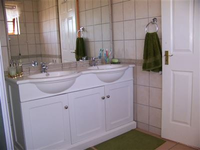 Somerset West property to rent. Ref No: 13394798. Picture no 5