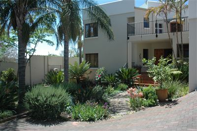 Property and Houses for sale in Waterkloof, House, 4 Bedrooms - ZAR 3,995,000