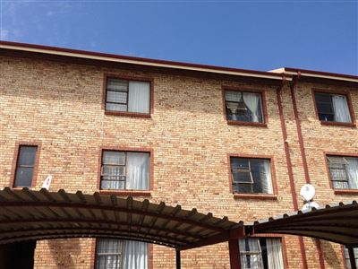 Potchefstroom Central property for sale. Ref No: 13394964. Picture no 3