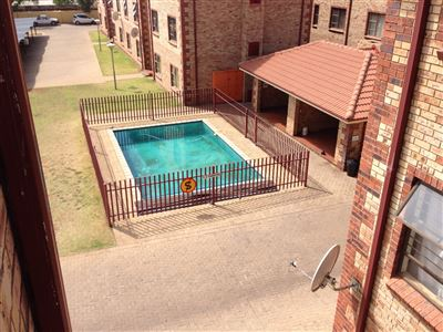Potchefstroom Central property for sale. Ref No: 13394964. Picture no 12