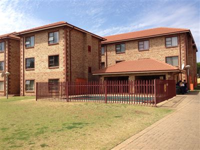 Potchefstroom Central property for sale. Ref No: 13394964. Picture no 2