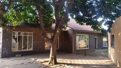 Middedorp property for sale. Ref No: 13395190. Picture no 1