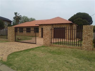 Brackendowns property for sale. Ref No: 13396496. Picture no 1