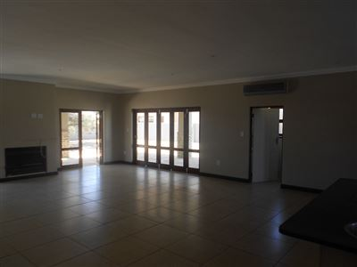 Parys property for sale. Ref No: 13396784. Picture no 9