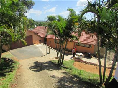 Amanzimtoti property for sale. Ref No: 13396808. Picture no 1