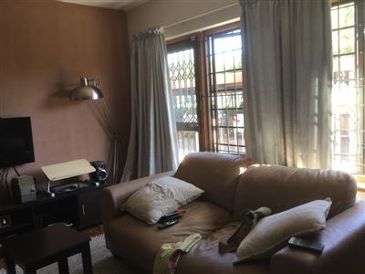 Pinelands property to rent. Ref No: 13396890. Picture no 8