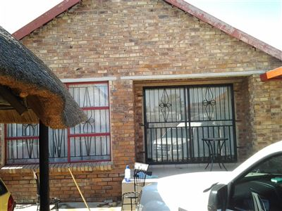 Olievenhoutbosch property for sale. Ref No: 13396917. Picture no 1