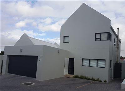 Durbanville property for sale. Ref No: 13397147. Picture no 1