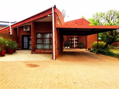 Bloemfontein, Bayswater Property  | Houses For Sale Bayswater, Bayswater, House 5 bedrooms property for sale Price:2,100,000