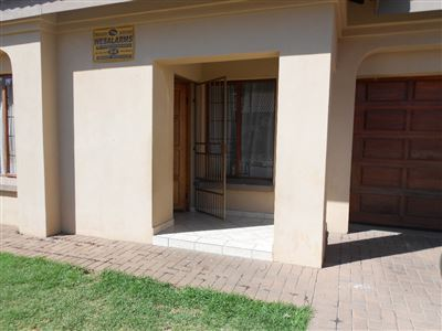 Waterval East to rent property. Ref No: 13397111. Picture no 2