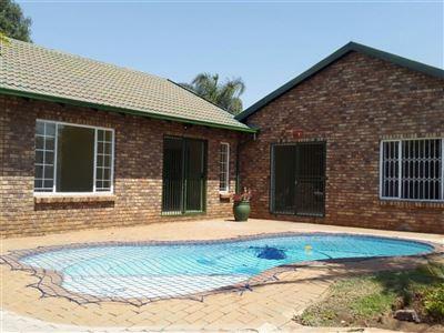 Doornpoort property for sale. Ref No: 13397692. Picture no 1