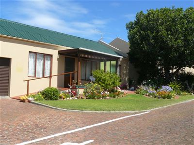 Stilbaai Wes property for sale. Ref No: 13398131. Picture no 1