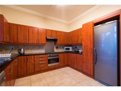 Sea Point property to rent. Ref No: 13400014. Picture no 2
