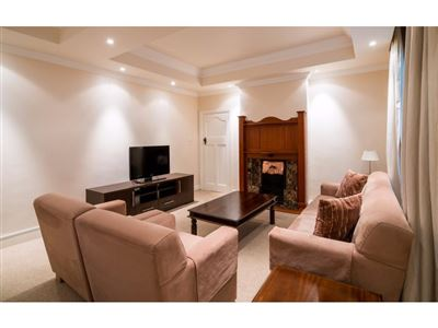 Sea Point property to rent. Ref No: 13400014. Picture no 9