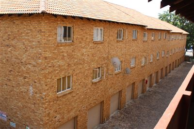 Middedorp property for sale. Ref No: 13398292. Picture no 1