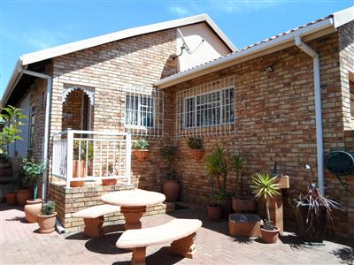 Krugersdorp, Kenmare & Ext Property  | Houses For Sale Kenmare & Ext, Kenmare & Ext, Cluster 2 bedrooms property for sale Price:985,000