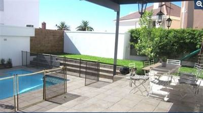 Bantry Bay property to rent. Ref No: 13398756. Picture no 2