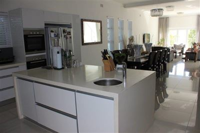 Fresnaye property to rent. Ref No: 13399241. Picture no 9