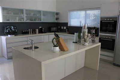 Fresnaye property to rent. Ref No: 13399241. Picture no 10