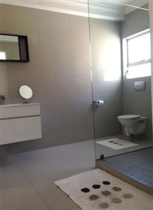 Fresnaye property to rent. Ref No: 13399241. Picture no 12