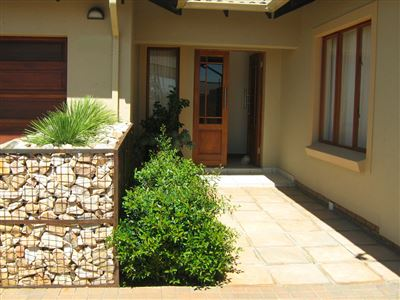 Pretoria, Equestria Property  | Houses For Sale Equestria, Equestria, Cluster 3 bedrooms property for sale Price:2,400,000