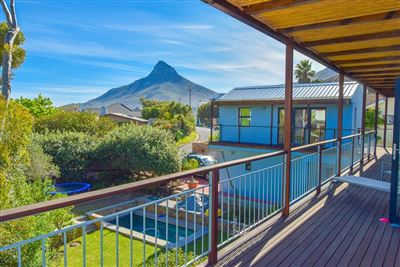 Camps Bay property to rent. Ref No: 13399291. Picture no 11
