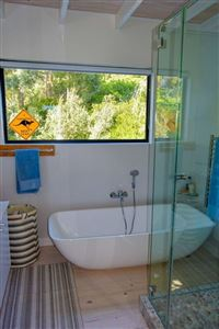 Camps Bay property to rent. Ref No: 13399291. Picture no 12