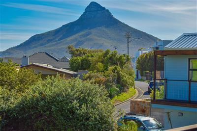 Camps Bay property to rent. Ref No: 13399291. Picture no 13