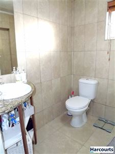 Sea Point property to rent. Ref No: 13399424. Picture no 11