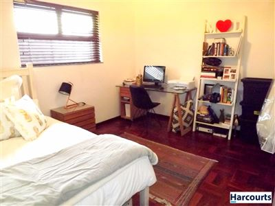 Sea Point property to rent. Ref No: 13399424. Picture no 17