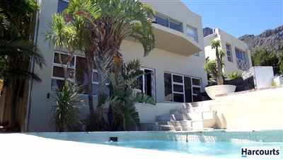 Camps Bay property to rent. Ref No: 13399427. Picture no 1