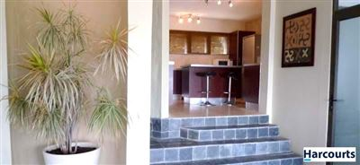 Camps Bay property to rent. Ref No: 13399427. Picture no 4