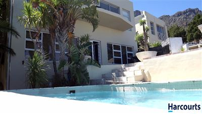 Camps Bay property to rent. Ref No: 13399427. Picture no 12