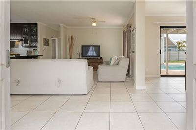 Pinehurst property for sale. Ref No: 13399450. Picture no 9