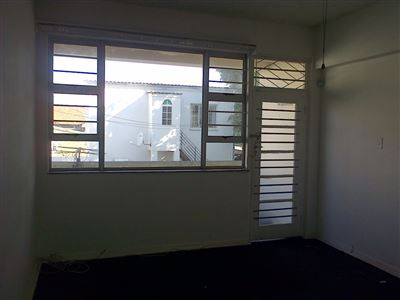 Southernwood property to rent. Ref No: 13396420. Picture no 2