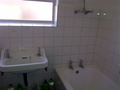 Southernwood property to rent. Ref No: 13396420. Picture no 4