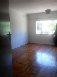 Pinelands property to rent. Ref No: 13400066. Picture no 5