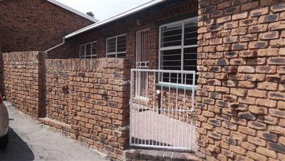 Witpoortjie & Ext property for sale. Ref No: 13400432. Picture no 1